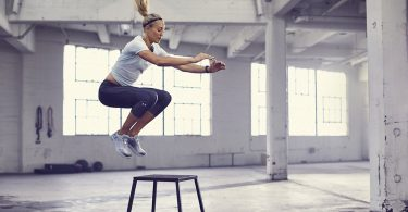 Beta-alanine-article- science-performance-athletic-Female-Box-Jumps
