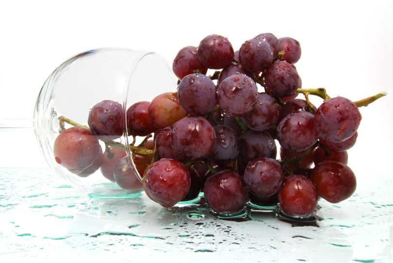 Red grapes and wine soruce of resveratrol