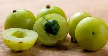 benefits of indian gooseberry cholesterol